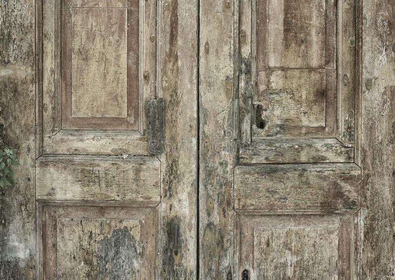 Download 老意大利门 库存照片. 图片 包括有 抽象, 风化, 典型, 欧洲, 闭合, 年龄, 背包, 朽烂, 城市 - 30336762