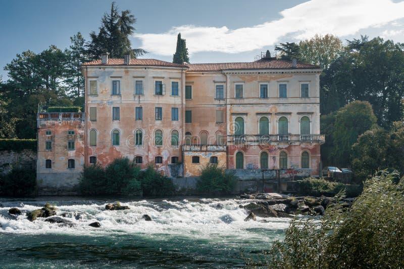 老意大利landhouse在bassano del grappa 库存照片
