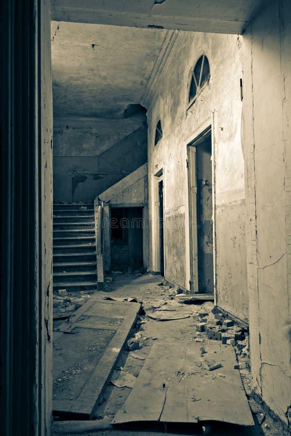 老房子和台阶 免版税库存图片