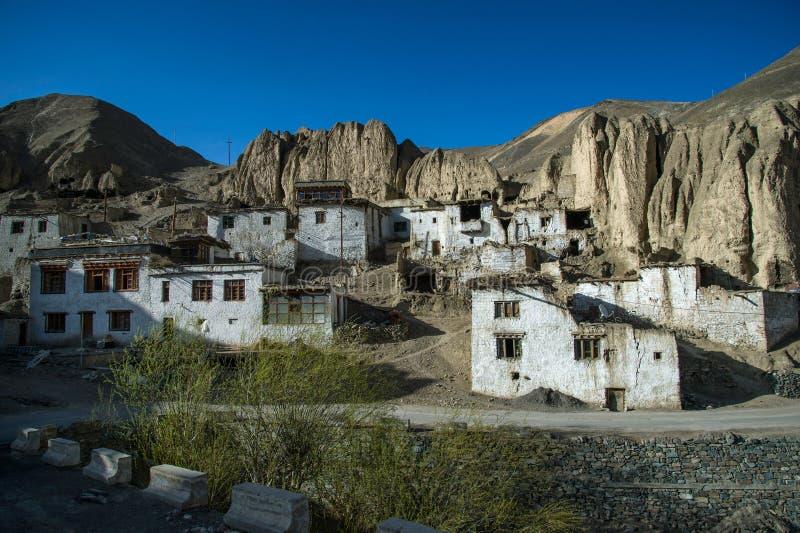 老房子在有在拉达克的沙漠 库存图片