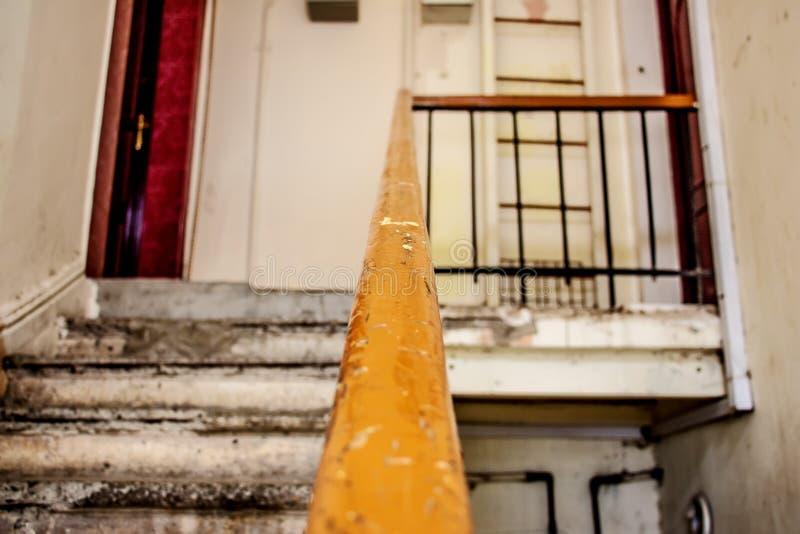 老房子的台阶 免版税图库摄影