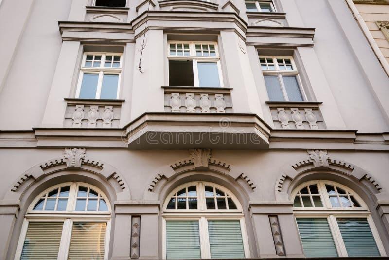 老房子的美丽的门面 片段,细节 E 免版税图库摄影