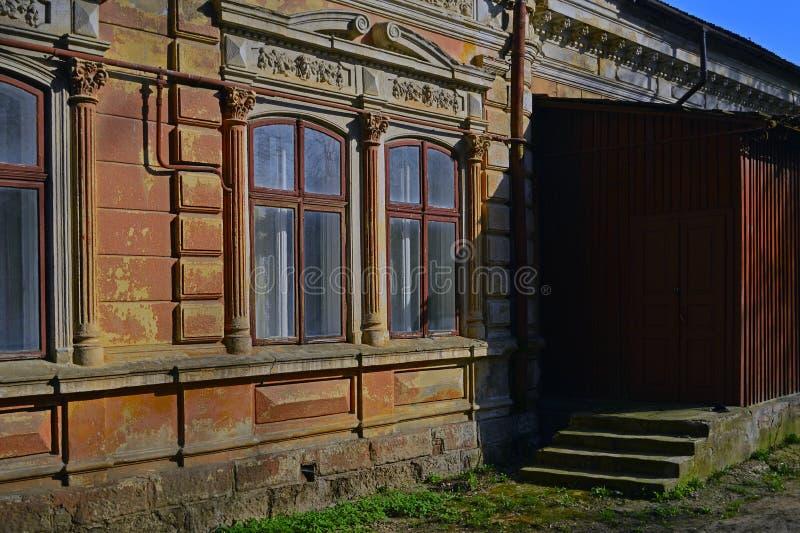 老房子的门廊 图库摄影