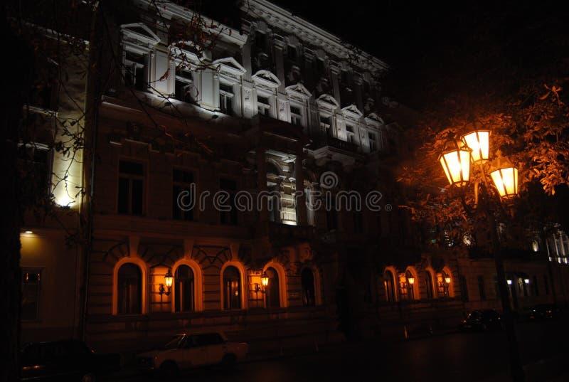 老房子 建筑学在夜 免版税库存照片
