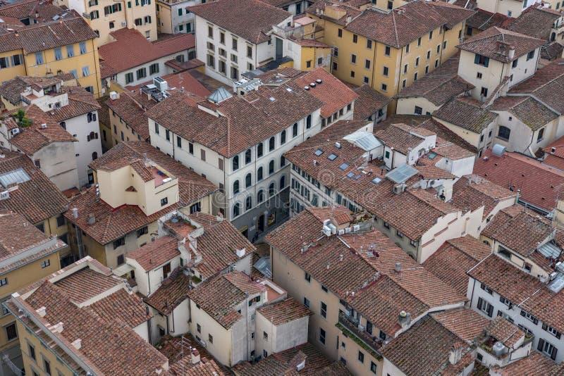 老房子从观测台中央寺院看见的佛罗伦萨,大教堂圣玛丽亚del菲奥雷红色屋顶  库存图片