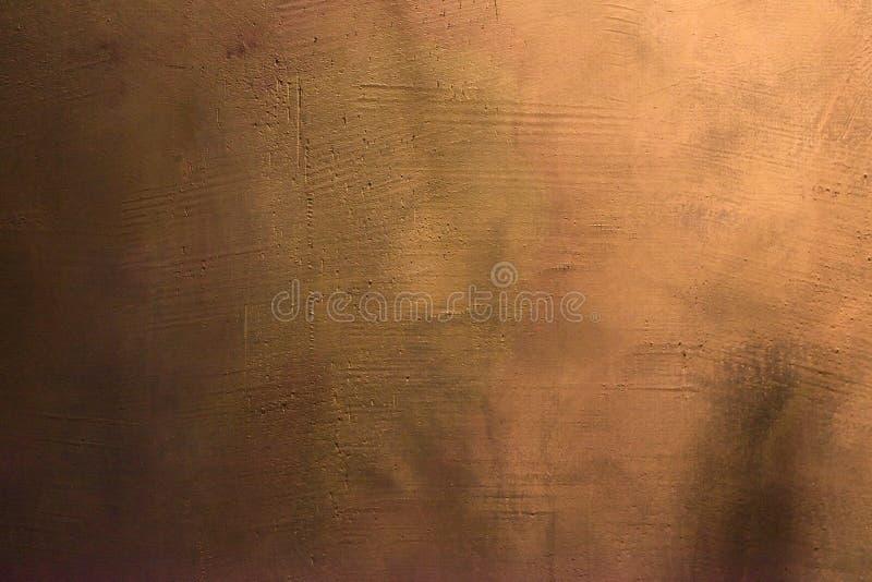 老抓和破裂绘紫罗兰色和紫色墙壁 抽象织地不很细色的背景 空的模板 库存照片