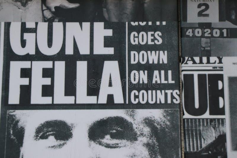 老报纸显示图象和题目关于te意大利美国黑手党 库存照片