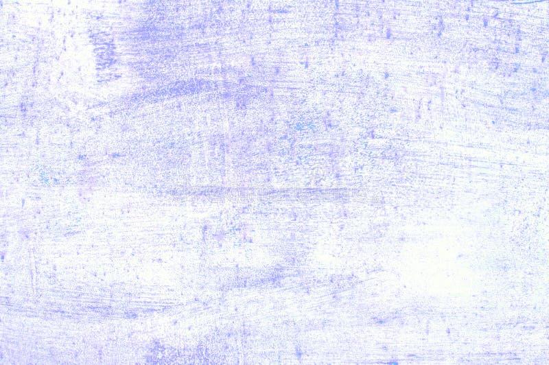 老损坏的破裂的油漆墙壁,难看的东西背景,紫色颜色 免版税图库摄影