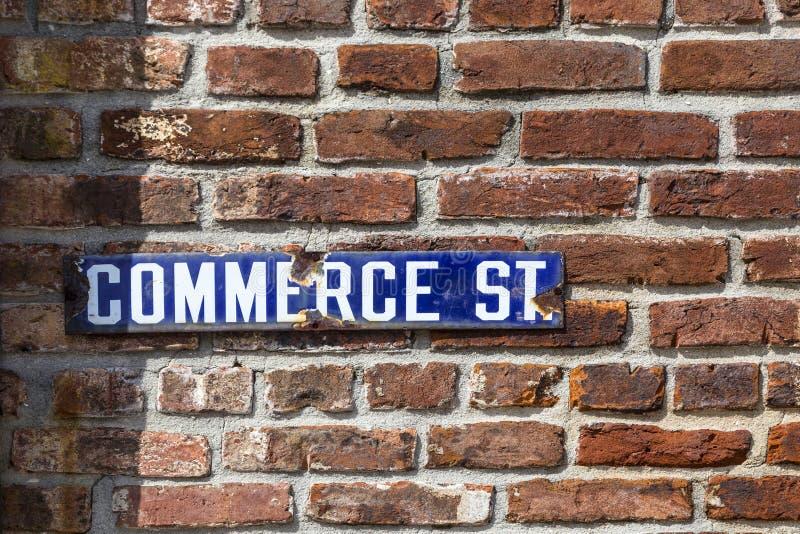 老搪瓷streetsign商务路 图库摄影