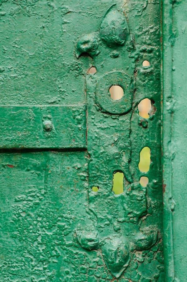 老有裂痕的门的片段 免版税库存照片