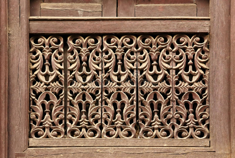 老木传统尼泊尔窗口细节 尼泊尔 免版税图库摄影