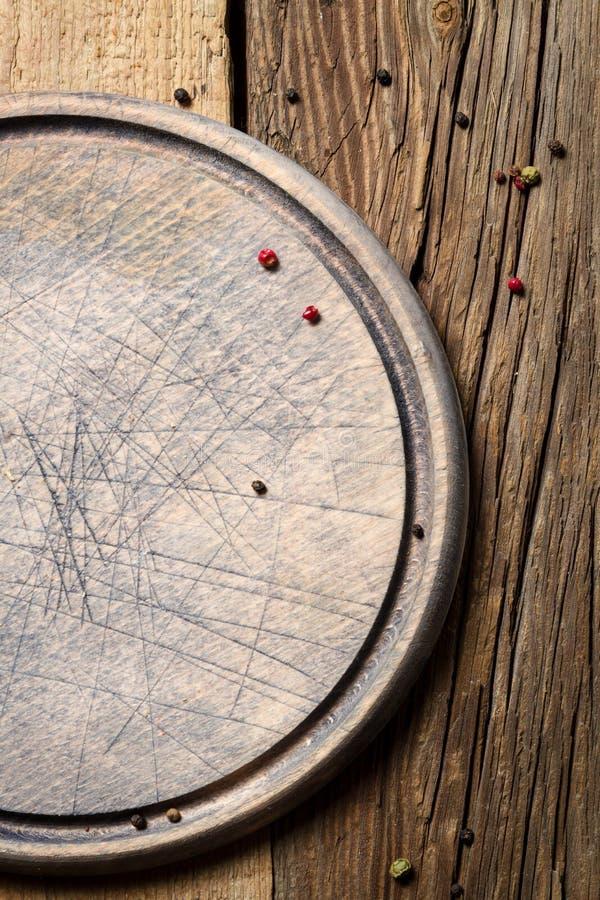 老木切板有被削减的标记背景 库存照片