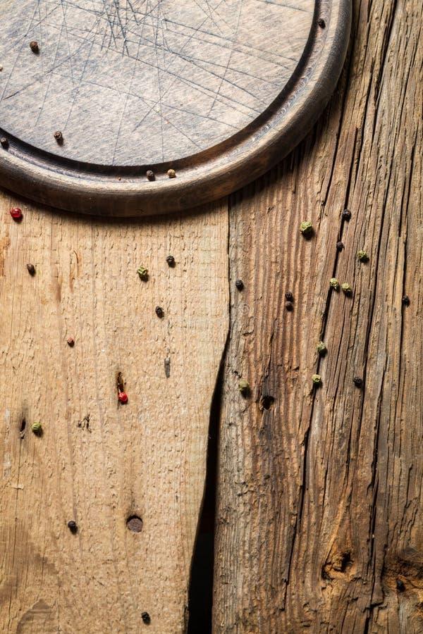 老木切板有被削减的标记背景 库存图片