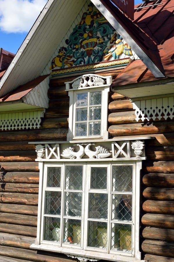 老木大厦在Kirillov镇 库存图片