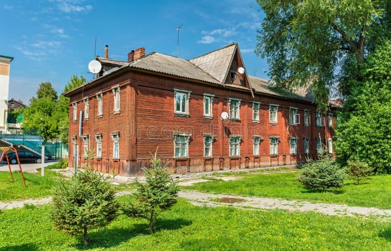 老木房子在梁赞,俄罗斯的市中心 免版税库存照片
