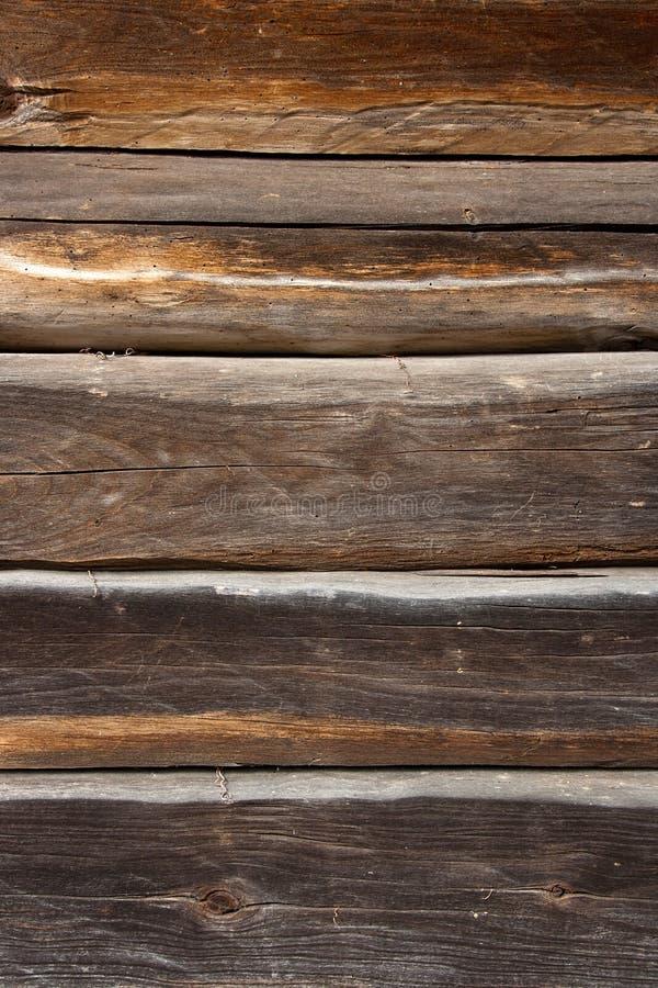 从老木日志的乡间别墅墙壁 自然木backgrou 免版税图库摄影