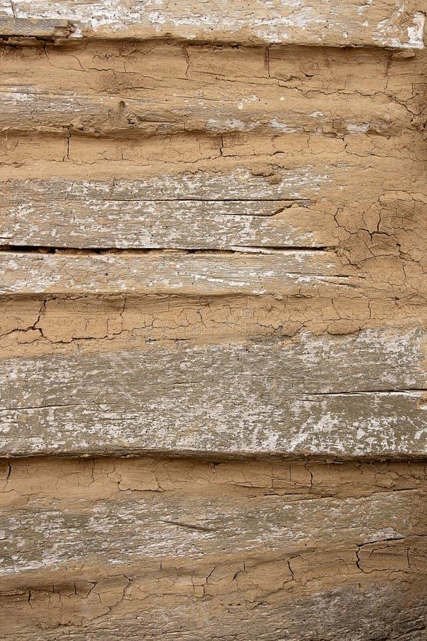 从老木日志的乡间别墅墙壁 自然木backgrou 免版税库存图片