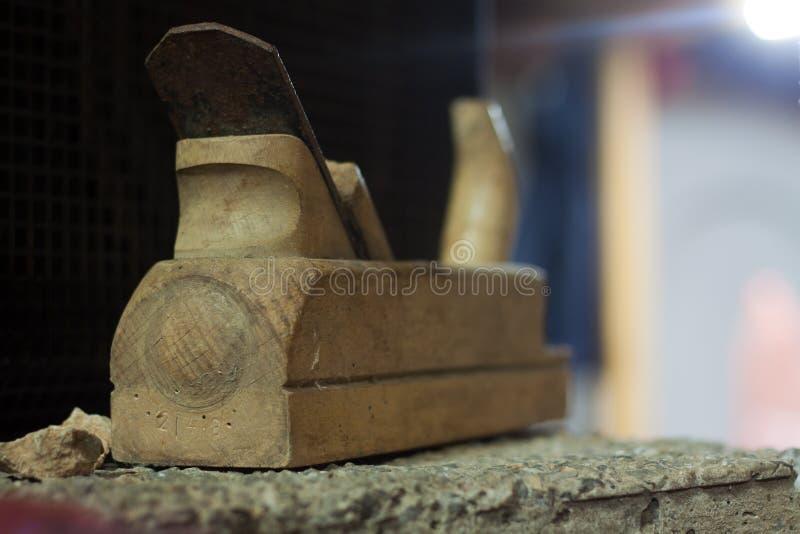老木木匠切片机 库存图片