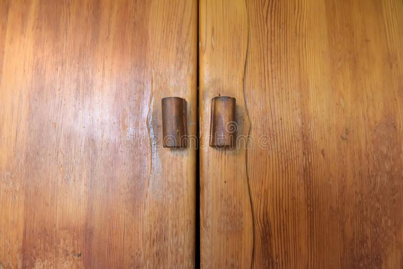 老木衣物柜 库存照片