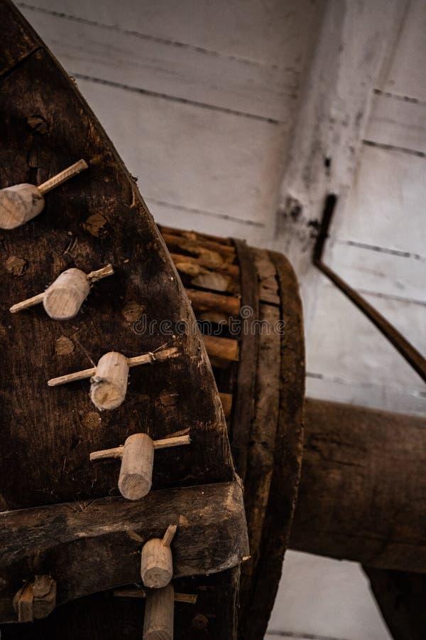 老木齿轮 免版税库存图片