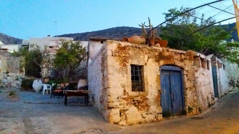 老村庄在克利特,希腊 免版税库存照片
