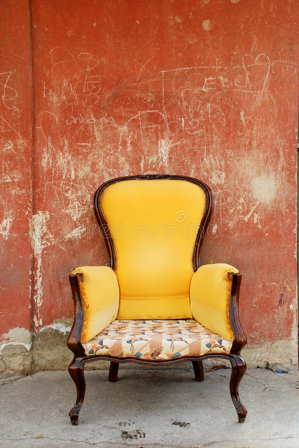 老椅子 免版税图库摄影