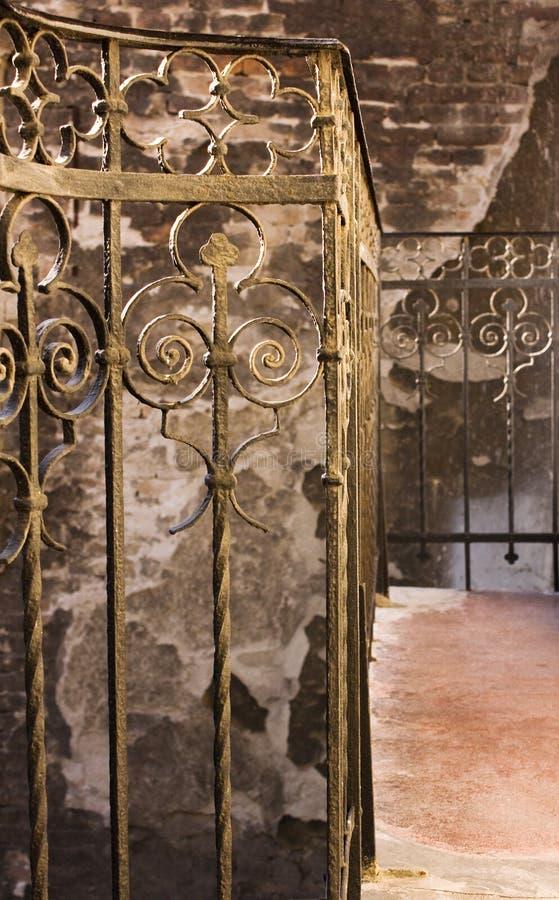 老楼梯黄色 免版税库存图片