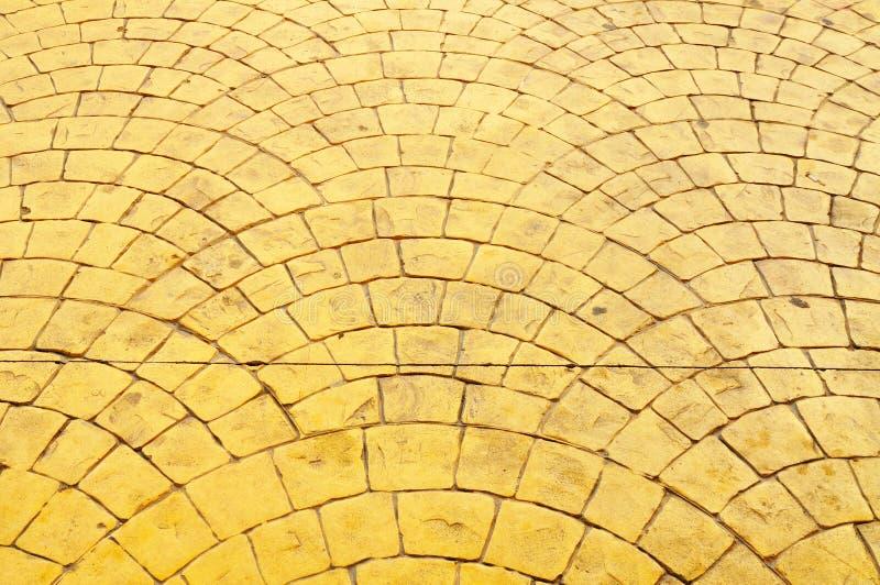 老模式路面黄色 免版税库存图片