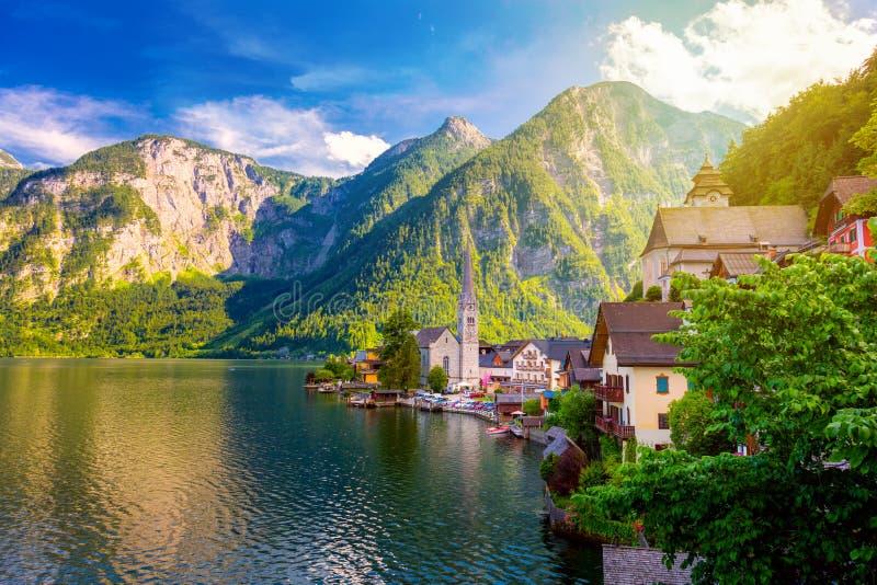 老欧洲镇Hallstatt,美丽的村庄美丽如画的看法  免版税库存图片