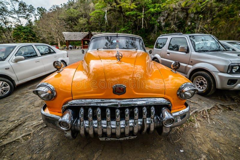 老汽车古巴人 库存图片