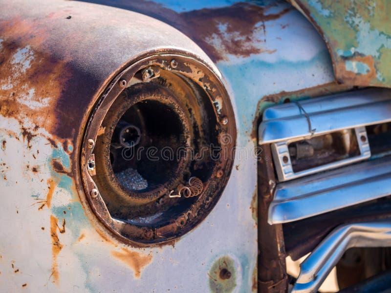 老汽车击毁在纳米比亚沙漠,纳米比亚离开 免版税库存照片