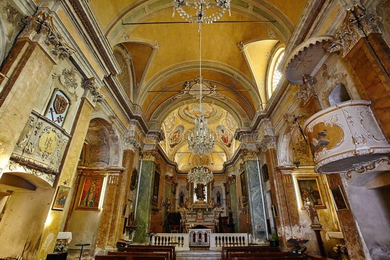 老法国教会的美好的内部 图库摄影