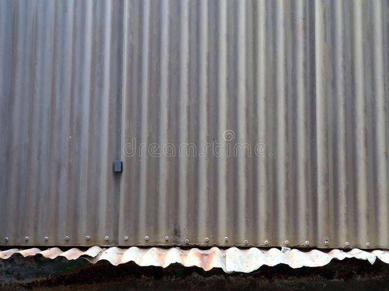老波状钢屋顶细节  库存图片