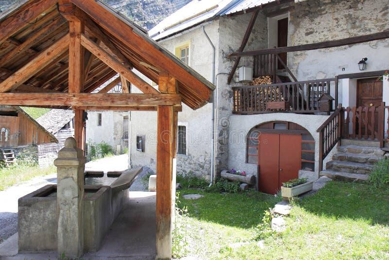 老洗涤的地方在Viollins村庄,Freissinières谷,法国 库存照片