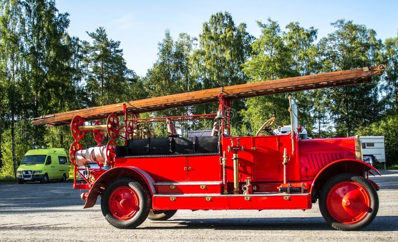 老消防车 免版税图库摄影