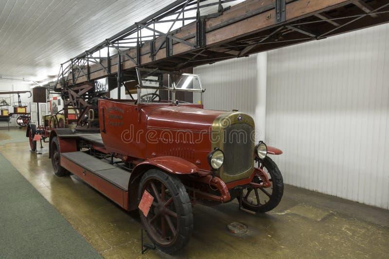 老消防队汽车在尼古拉・特斯拉技术博物馆在萨格勒布,克罗地亚 免版税图库摄影
