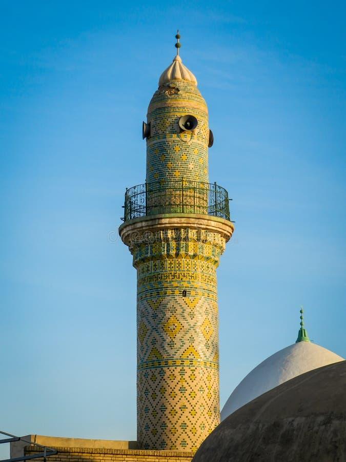 老清真寺的尖塔在伊拉克北部的阿尔贝拉城堡 库存图片