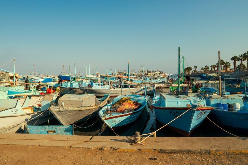 老渔船在洪加达 库存照片