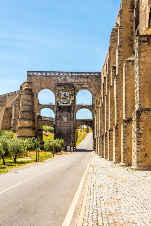 老渡槽在Elvas市-葡萄牙 图库摄影