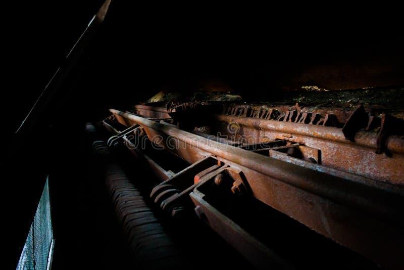 老热电厂,生锈和减速火箭的神色 免版税库存图片