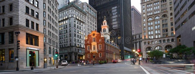 老状态议院在晚上在波士顿,美国 免版税库存照片