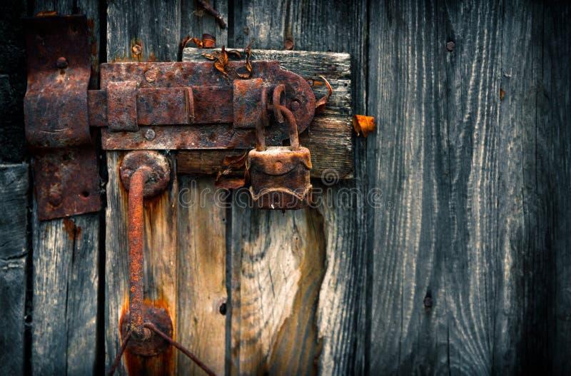 老生锈的挂锁 免版税库存照片