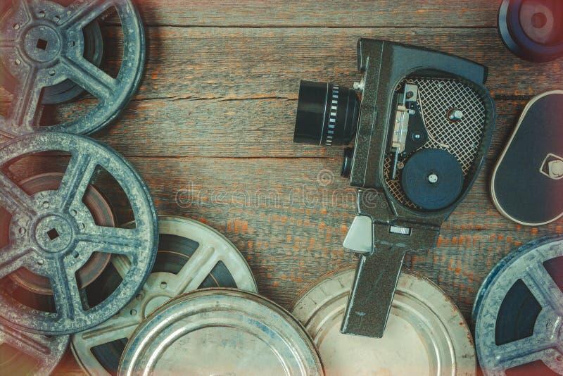 老电影摄影机和影片轴 免版税图库摄影