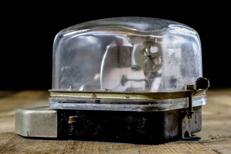 老电米 老电子辅助部件 木的表 库存照片