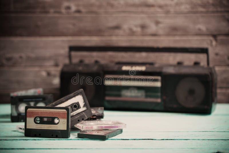 老盒式磁带和球员 库存照片