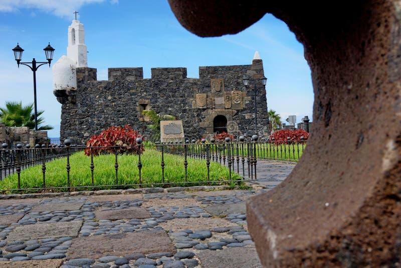 老石堡垒在加拉奇科,特内里费岛,西班牙 免版税库存图片