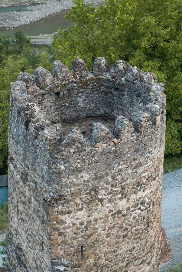 老石堡垒视图从上面 Ananuri乔治亚, 免版税库存照片