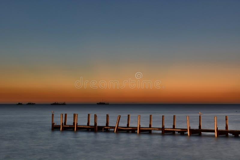 老码头日落 Denham 鲨鱼湾 澳大利亚西部 库存图片