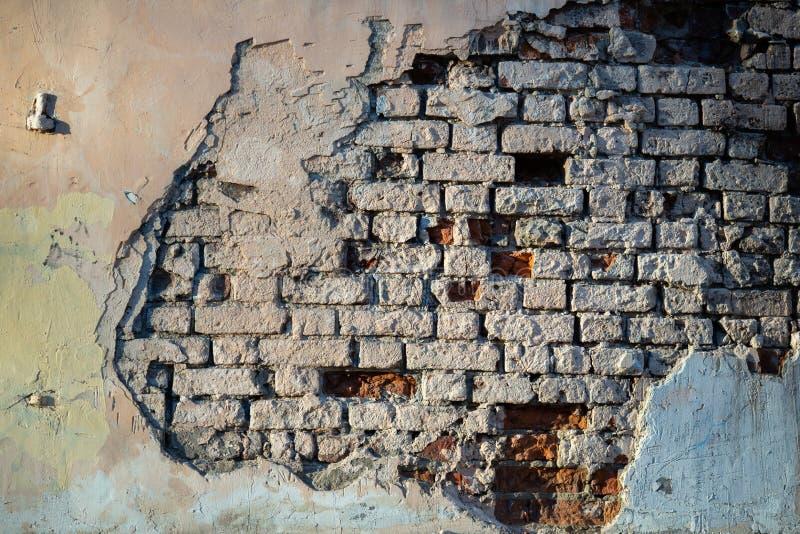 老砖墙照片有被毁坏的膏药的 免版税库存图片