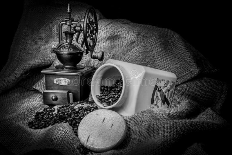 老磨咖啡器 免版税库存照片